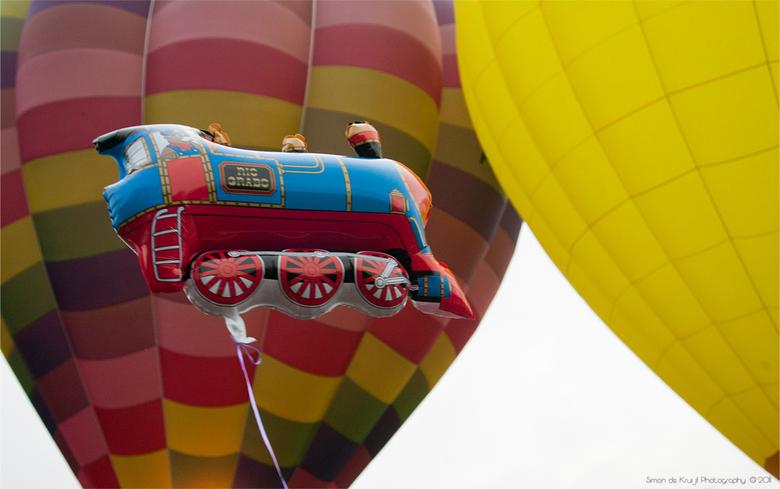 Big, Bigger, Biggest! - Ballonnen zijn er in vele maten, uitvoeringen en kleuren...<br /> <br />  Ballonfiësta Barneveld 2011
