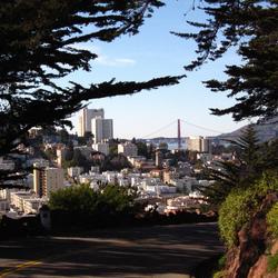 Golden Gate Bridge vanaf achter Coit Tower