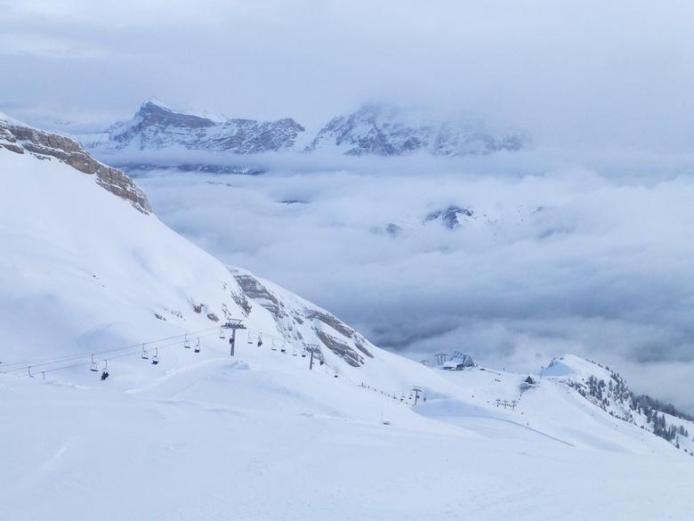 In de wolken 1 - Skiën in de wolken. Hoe geweldig is dat?