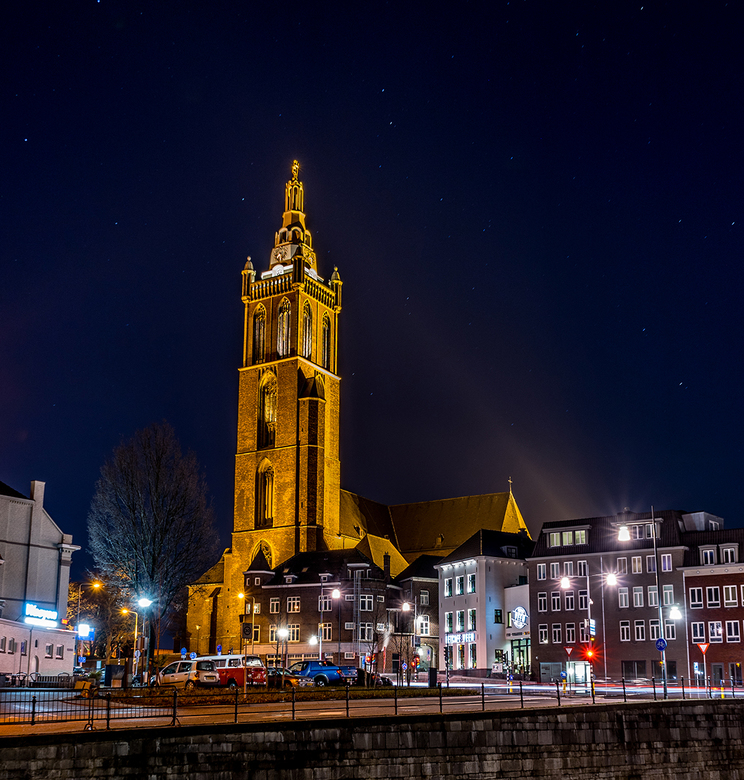 Sint Christoffel Kathedraal Roermond - De Sint Christoffel Kathedraal gelegen in Roermond. Is een prachtige toren die boven Roermond uitsteekt. Genome