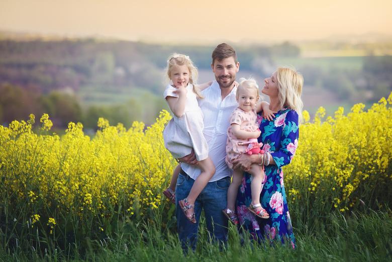 Gezinsportret - Ik geloof niet dat ik hier ooit een gezinsfoto heb geplaatst die ik gemaakt heb tijdens een shoot van hun kindertjes maar goed die maa