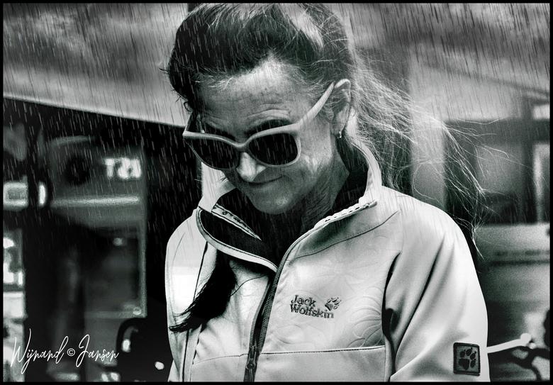 It is a raining day hallelujah - Zou het vandaag beter zijn?