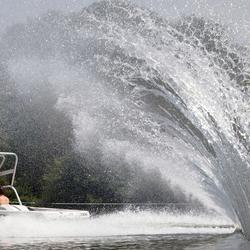 Een explosie van kracht en water