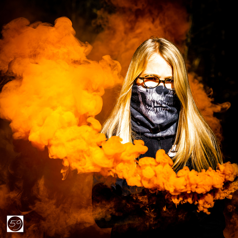 Gaby_Smoke_Eater_Orange_59 - Rook in het zonlicht