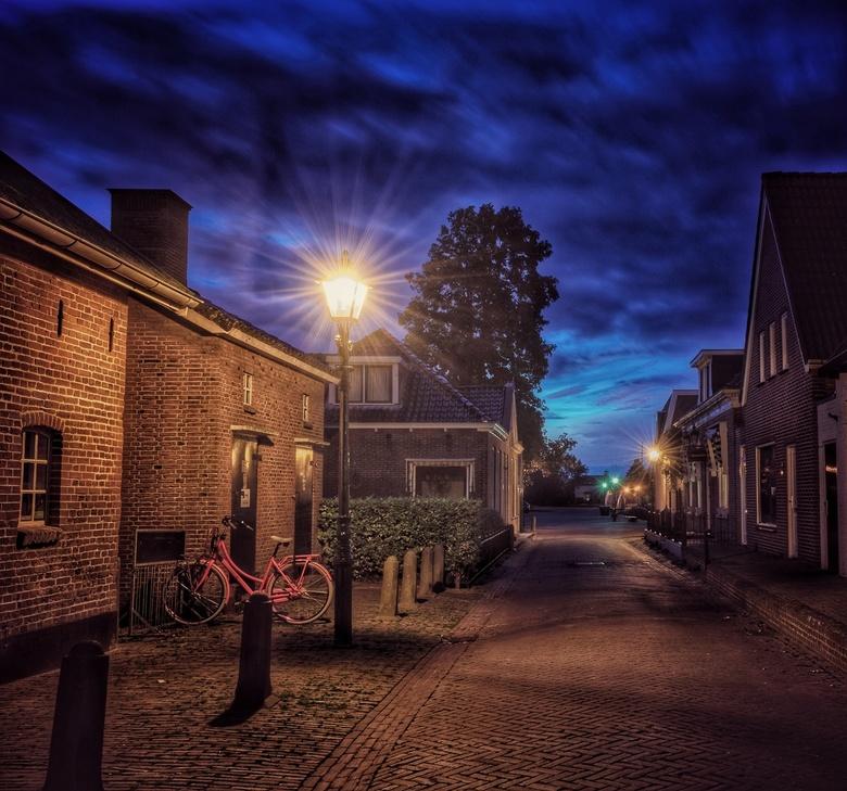 Langweer blauw uurtje - Het blauwe uur in het Friese dorp Langweer