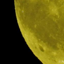 Stukje maan.......met?
