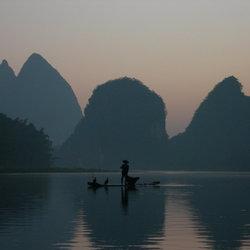 Ochtendschemering in Yangshuo, China
