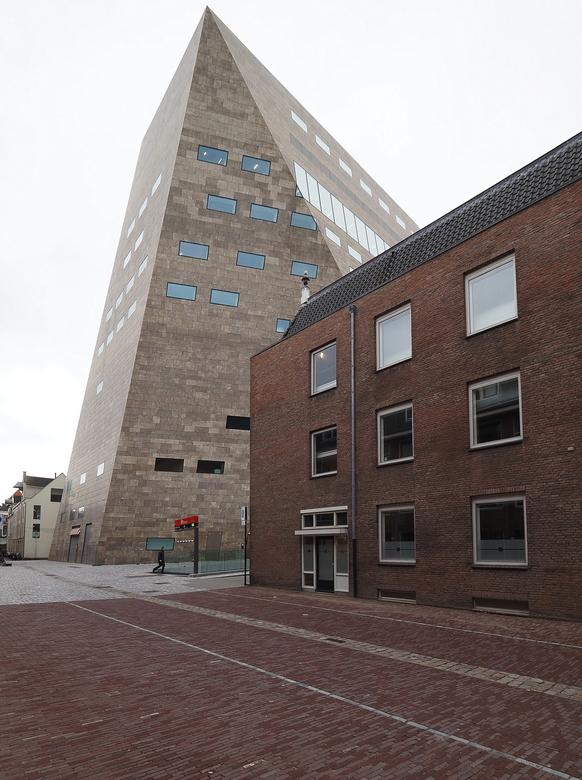 """Groningen 23 - Met  mijn rug  tegen de muur ..kreeg ik hem er net  op ..moest  een beetje  smokkelen in de verticale  stand  <img  src=""""/images/smiley"""