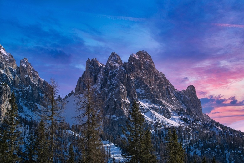 Dolomiti - The 2018 winter, we went to  Val Pusteria, Dolomites. Our location was perfect for some of the most iconic places on the Dolomites. This sh