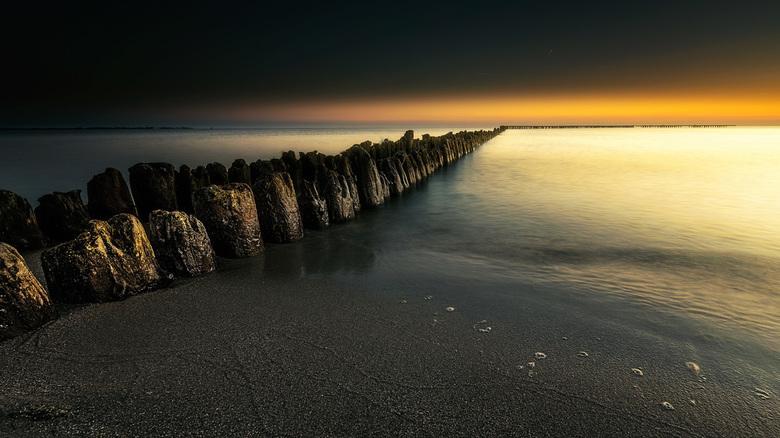 Friese ijsselmeerkust sunset - Weer eentje van de friese ijsselmeerkust dit keer ben ik wat anders te werk gegaan met de nabewerking ik wou het een Mo
