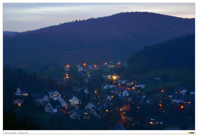 Niedersfeld - Sauerland 1#3 - Serie foto's gemaakt op een mooie herfst namiddag gemaakt vanaf het balkon van een hooggelegen appartement van het