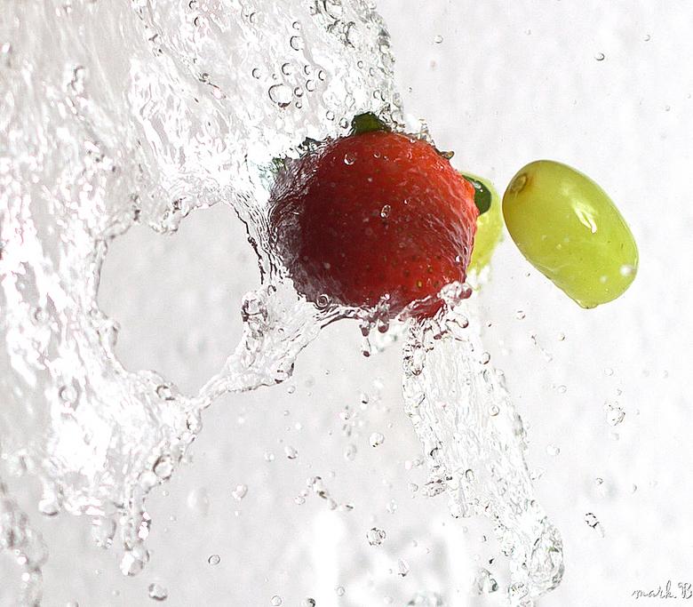 Waterfall - Fruitsplash door watergordijn.