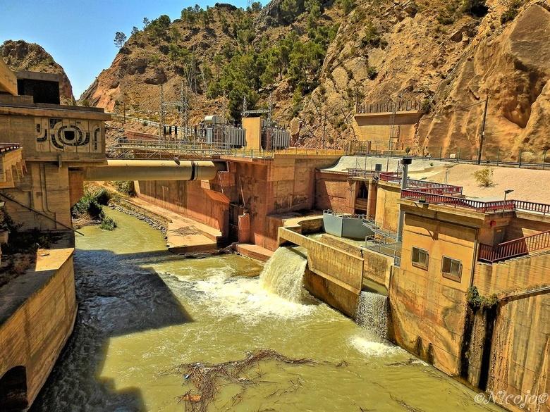 Waterkrachtcentrale.