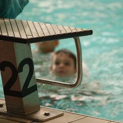 Lucas in het zwembad