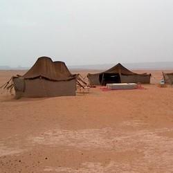 Tenten in de woestijn