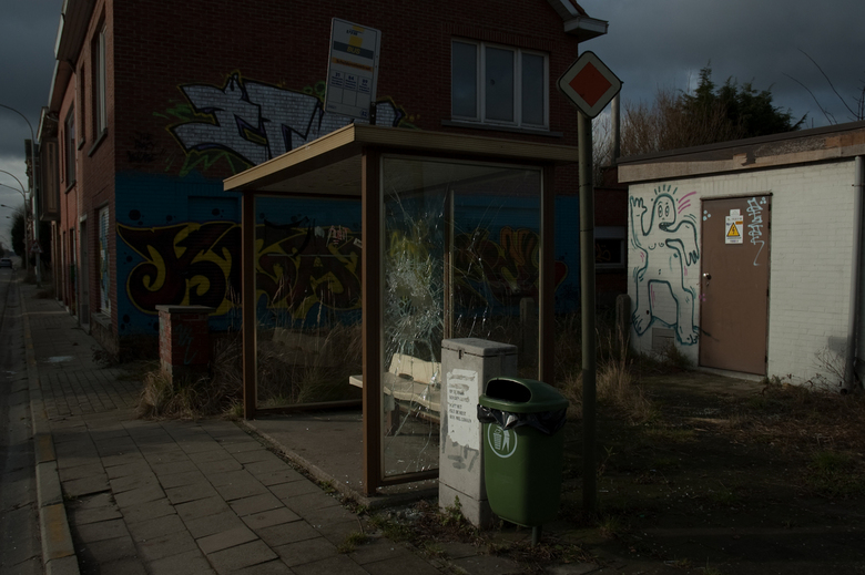 Bushalte in Doel, Belgie - Een bushalte in Doel, die ook al gesloopt is.