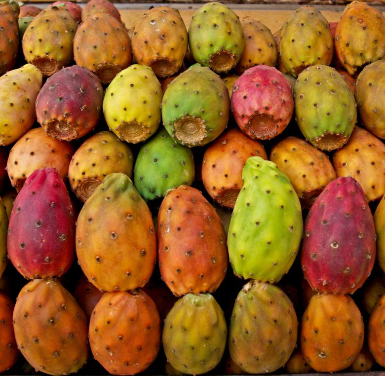 cactusvruchten - cactusvruchten in een Siciliaanse marktkraam