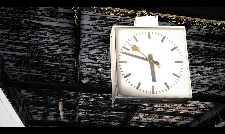 - Time goes by so slowly - -