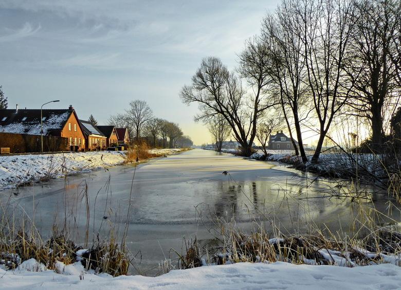 Beetje winter nog - Voor de dooi aan nog ff op foto natuurlijk. Gemaakt met de lumix pocket.