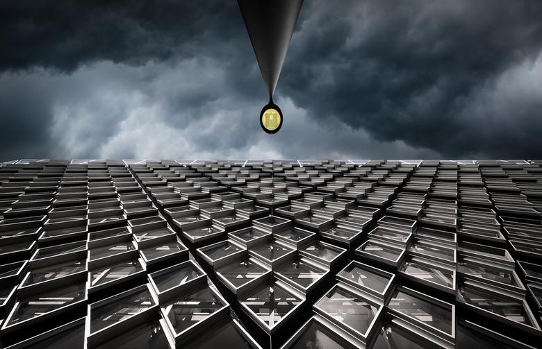 Triangularity - Achter het PSV-stadion