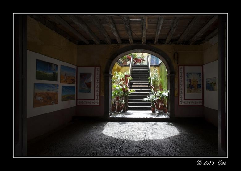 Madeira 59 - Doorkijkje bij een andere galerie.