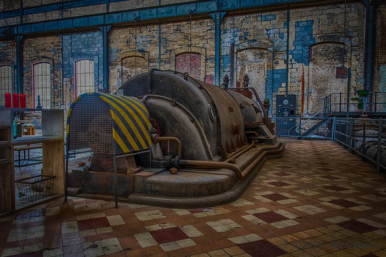 Oude generator - Eerste poging tot Urbex fotografie
