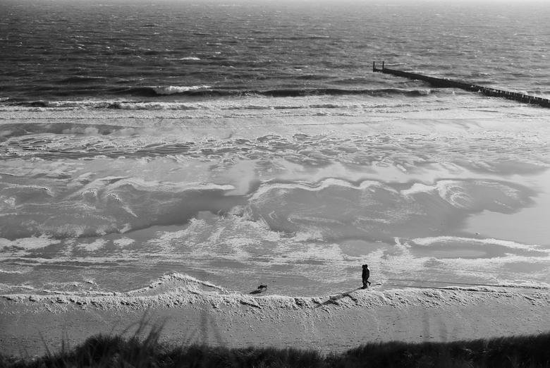 Kustlijn - Zeeland - Het strand van Westkapelle (Zeeland), na een winderig dagje....