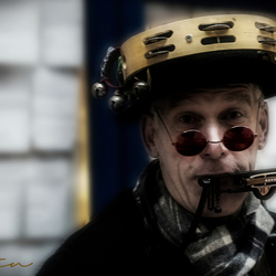Vrolijke straatmuzikant
