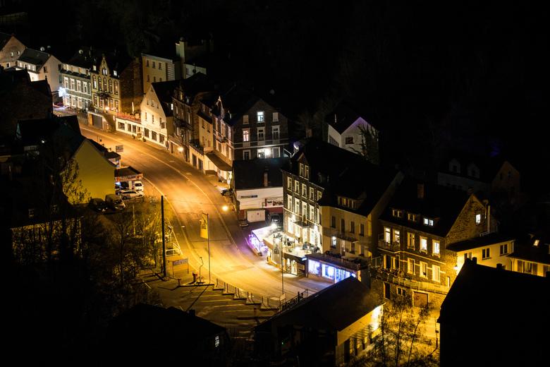 Straat - Cochem - Zicht op een straat in Cochem (Duitsland, aan de Moezel). Genomen vanaf een hoog punt.