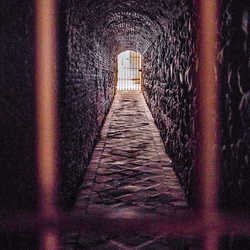 aan het eind vd tunnel....