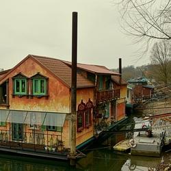 Tussen Rijn en Kade.