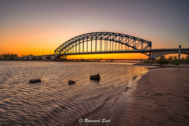 sunset oude ijsselbrug Zwolle 21-04-20 -