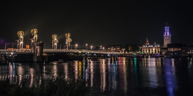 Kampen, bridge by night -
