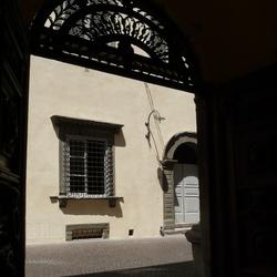 doorkijkje in Lucca