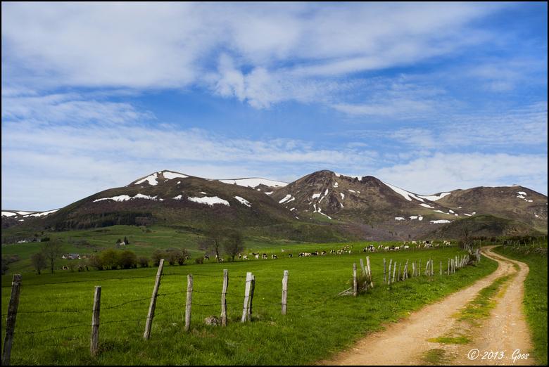 Auvergne 09 - Vooruit, nog een keer de keus. Kleur.....