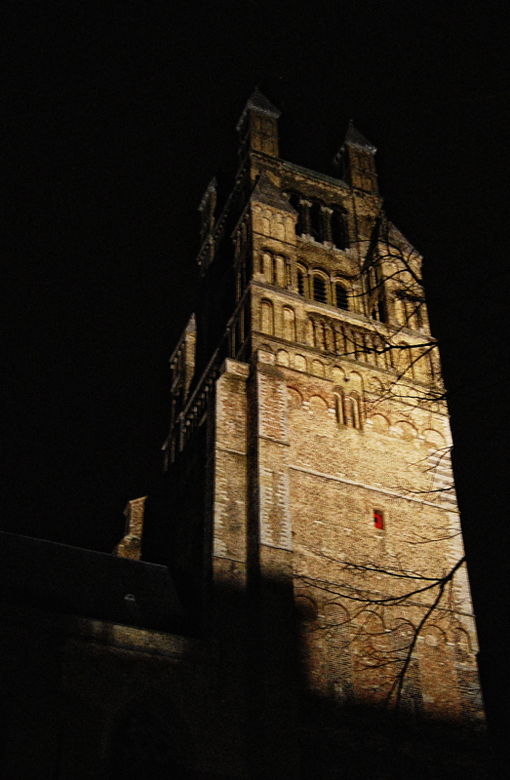 "Brugge - Toren bij nacht <img  src=""/images/smileys/smile.png""/>"