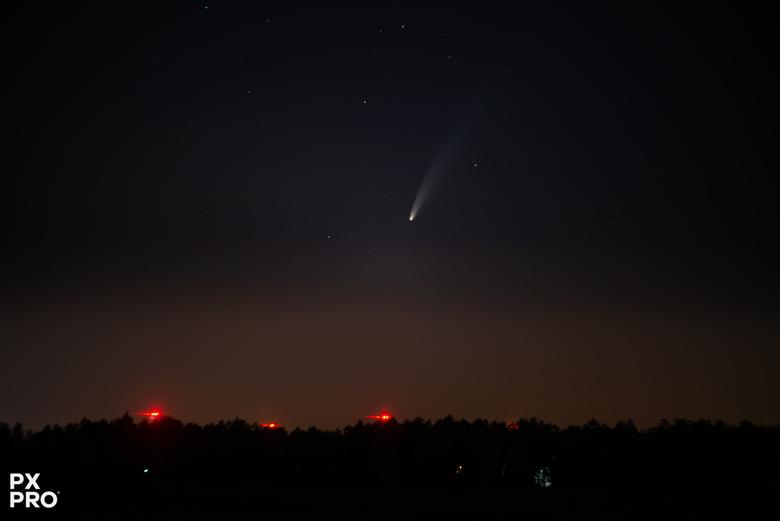C/2020 F3 NEOWISE - Ook voor mij werd het eens tijd om eens een kijkje te nemen en NEOWISE eens op de foto te zetten. Je moest er wel vroeg voor op wa