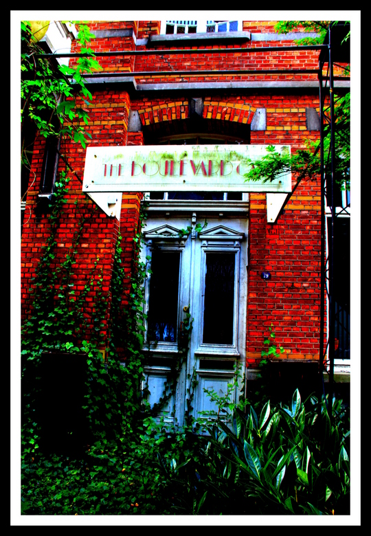 The Boulevard Cafe - Leegstaand en vervallen cafe dat ik onlangs tegenkwam