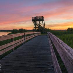 Vlak na zonsondergang bij de uitkijktoren in Kolham