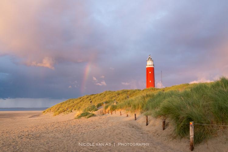 Kleuren explosie. - Deze bijzondere foto mocht ik maken tijdens onze laatste vakantie op het mooie Texel. <br /> Terwijl de zon bezig was onder te ga