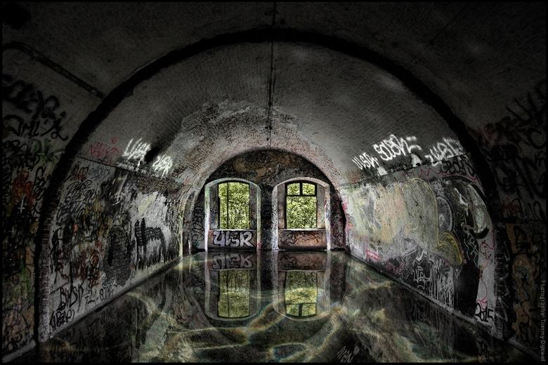 """La Chambre à Eau du Fort - <span style=""""font-weight:bold;"""">La Chambre à Eau du Fort - De Waterkamer van het Fort</span><br /> <br /> Hoe een kamer i"""