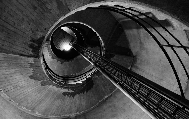 Bundesbank-Bunker - Duitsland - Foto van de &quot;ontluchting-sluis&quot; van de Bundesbank-bunker in Cochem (Moezel).<br /> <br /> In de Koude Oorl