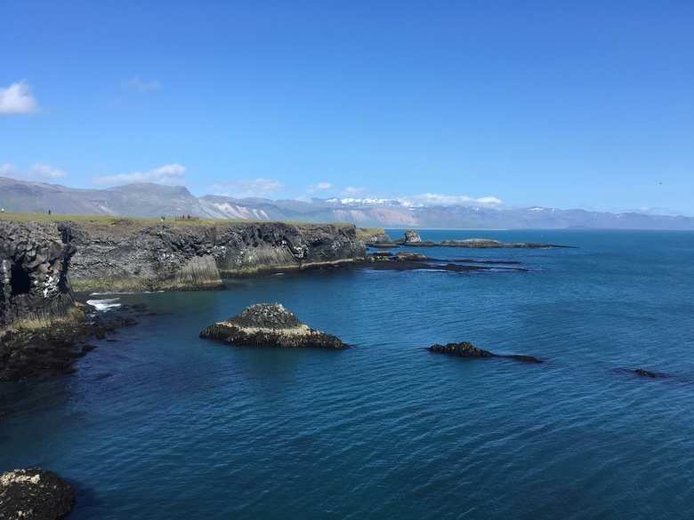 Klif in IJsland - Tijdens mijn reis in IJsland ben ik een wandeling gaan maken langs de kust. Dit mooie plaatje is het resultaat. En natuurlijk een be