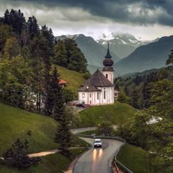 Kerkje in de bergen....