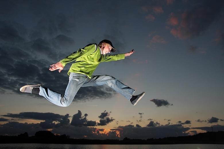 Jump! - Gebruik gemaakt van twee losse flitsers, ontstoken met Cactus V2s triggers van gadgetinfinity.com<br /> <br /> 40D icm Tamron 17-50 2.8<br /