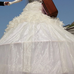 groot kijken, rare thumbnail. deventer op stelten. bruid.