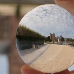 Door de glazen bol: Slot Assumburg