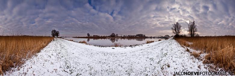 Panorama van Hasselt (3) - Genomen op donderdag 17 januari 2012 in Hasselt (Overijssel)