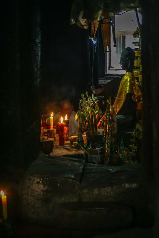monnik in Angkor Wat -