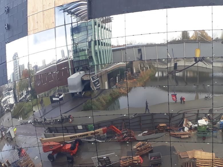 20191112_130314 - In Rotterdam is nog geen bouwstop zo te zien.